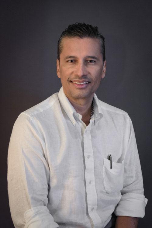Dr. Iksolder Mosquera Aldana