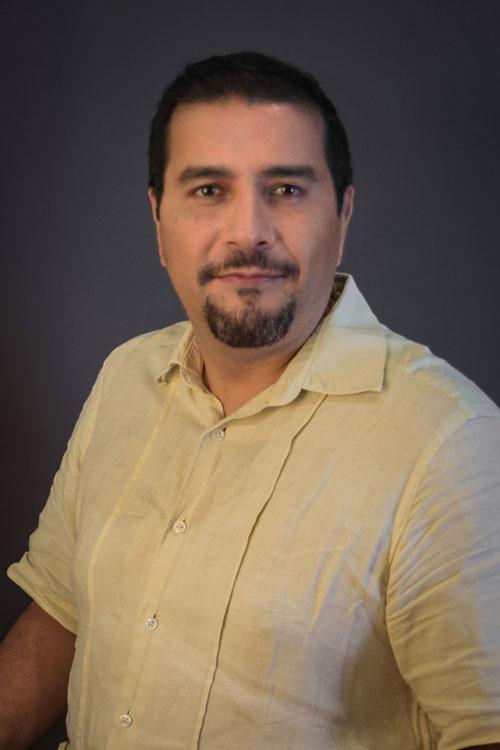 Dr. Carlos Edgar Villalobos Ochoa