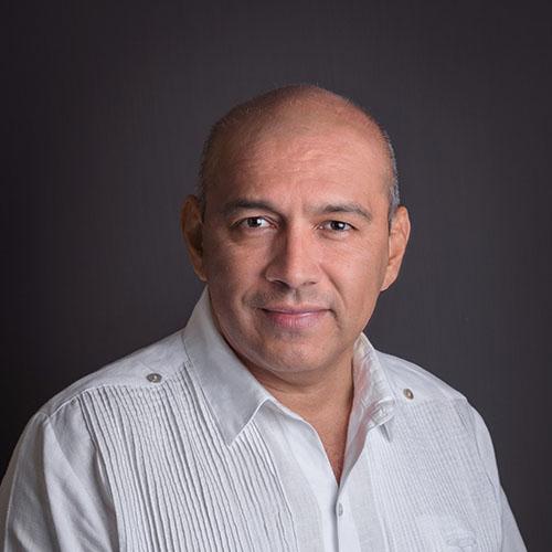 Dr. Martín de la Cruz Lira Álvarez