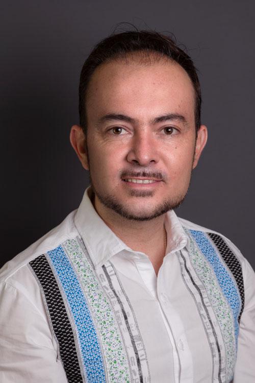 Dr. Angel Ricardo Oliver Guerra