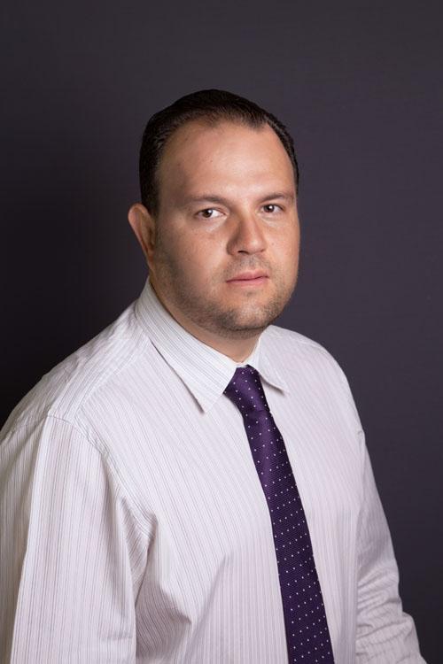 Dr. Cesar Alfonso Cortes Mendoza