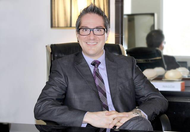 Dr. Rubén Agredano Jiménez