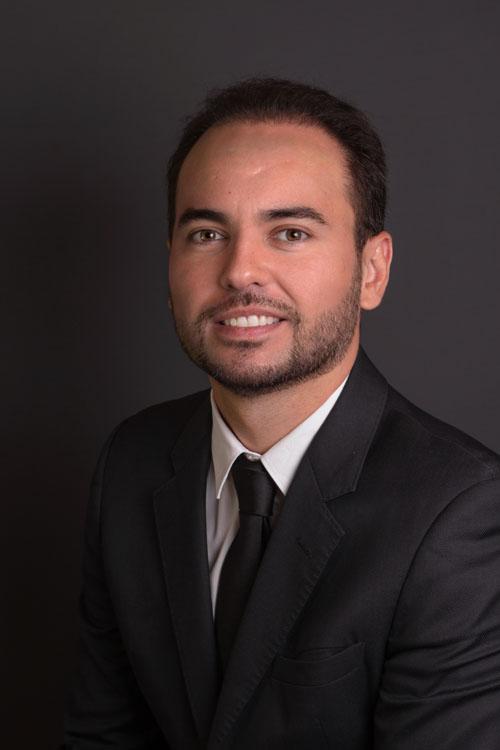 Dr. Raul Ramos Mange