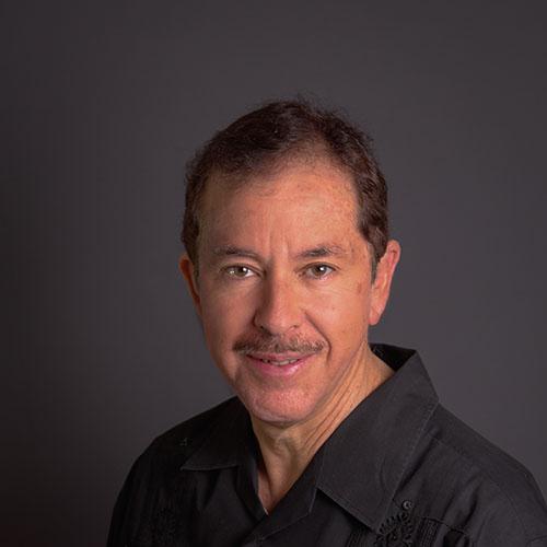 Dr. Javier De la Peña Cortés