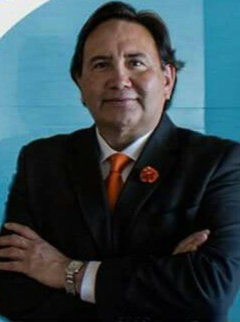 Dr. Alejandro Paredes Vallejo