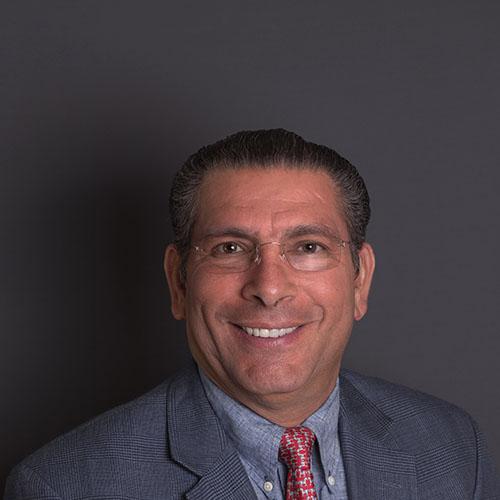 Dr. Tomás García Farias