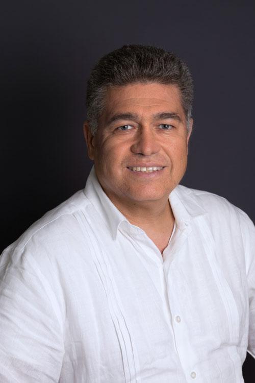 Dr. Roberto Matabuena Tamez