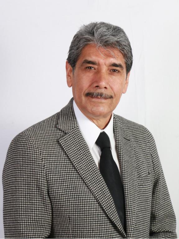 Dr. Roberto Reyes Robledo