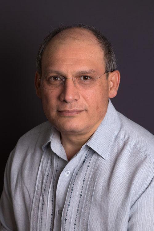 Dr. Carlos Rodríguez Anguiano