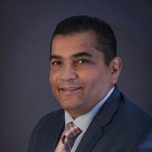 Dr. César A. Moisés Galan