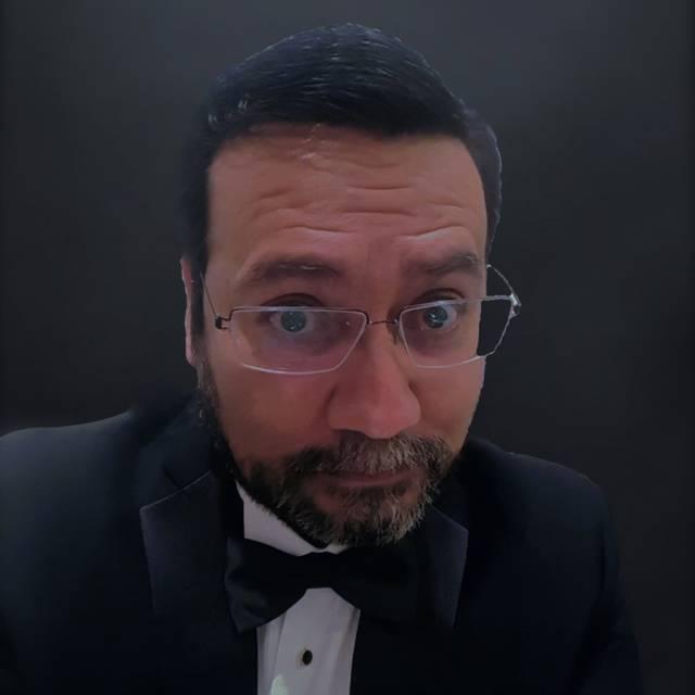 Dr. MIGUEL PANTOJA HINOJOSA